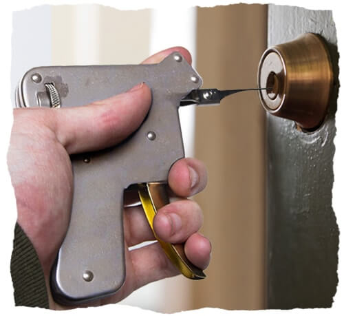 Lockpicking gun